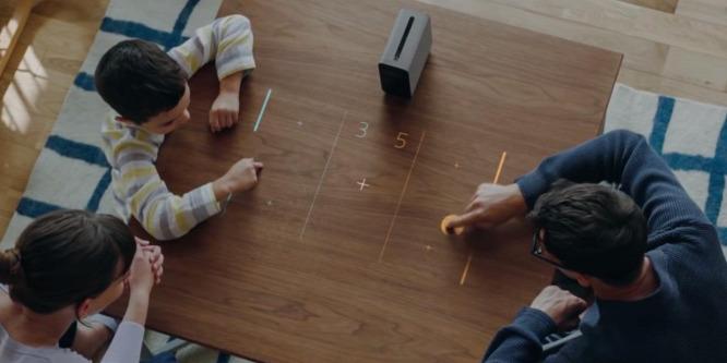 Érintőkijelzőt varázsol az asztallapból a Sony projektora