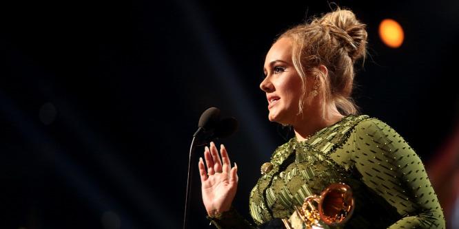 Adele moziba vitte a londoni tűzvész áldozatait