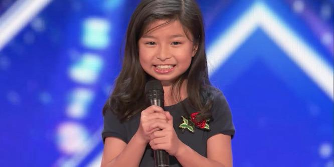 Egy 9 éves kislány mindenkit lenyűgözött egy tehetségkutatóban