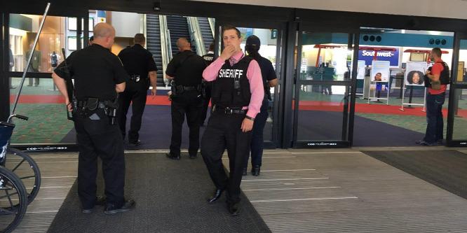 Terrorista késelt az egyik michigani reptéren