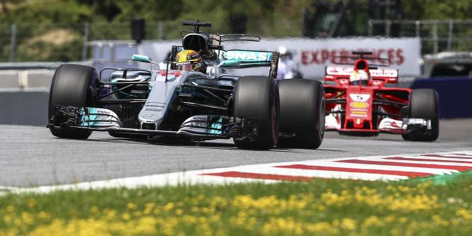 Egy tilalmat megkerülve vághatott vissza a Mercedes