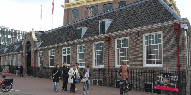 Muszlim migránsok verik a zsidókat és a melegeket Hollandiában