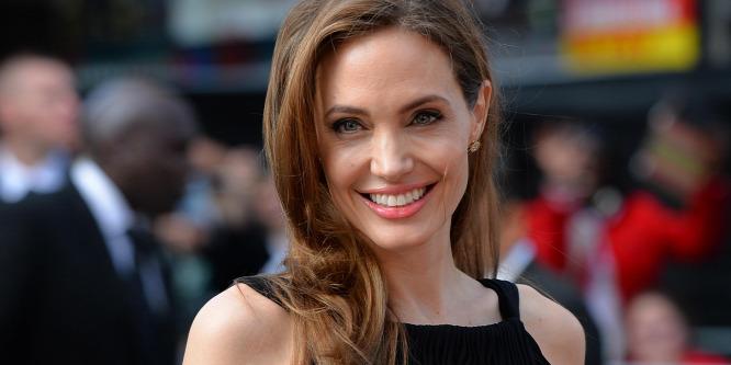 Angelina Jolie aggasztóan sovány: fotó!