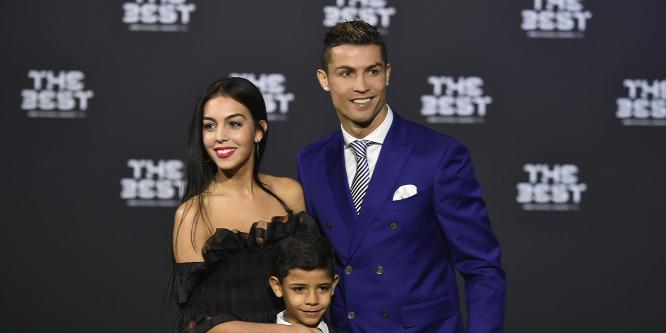 Hihetetlenül szexi Ronaldo terhes barátnője bikiniben