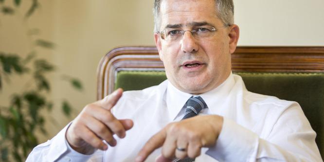Kósa: Soros pénzeli a Velencei Bizottság tagjait