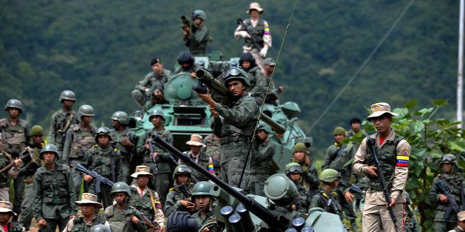 Káosz Venezuelában: hadba hív az elnök