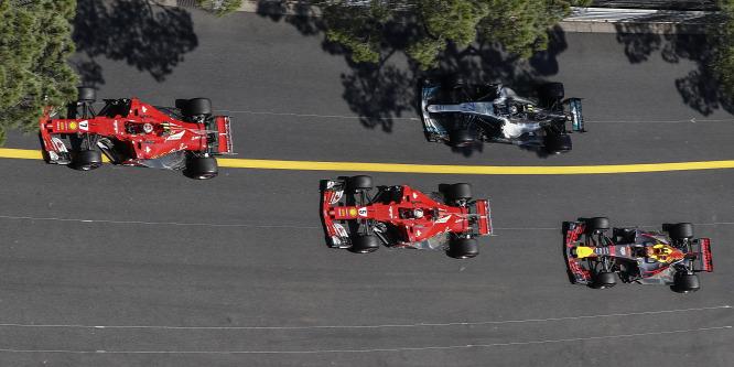 A Red Bull nem fél, hogy Verstappent elcsábítja a Ferrari