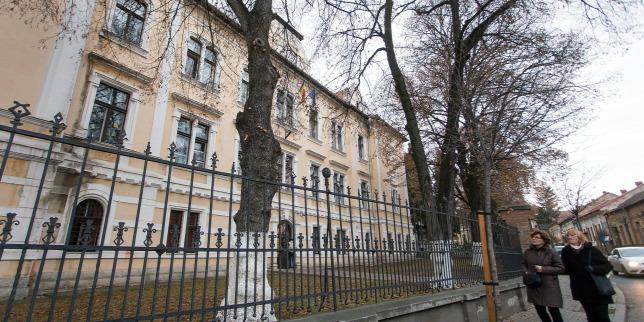 Miniszteri rendelettel indulhat újra a Római Katolikus Gimnázium