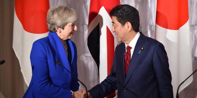 Részt vehetett a brit kormányfő a japán Nemzetbiztonsági Tanács ülésén