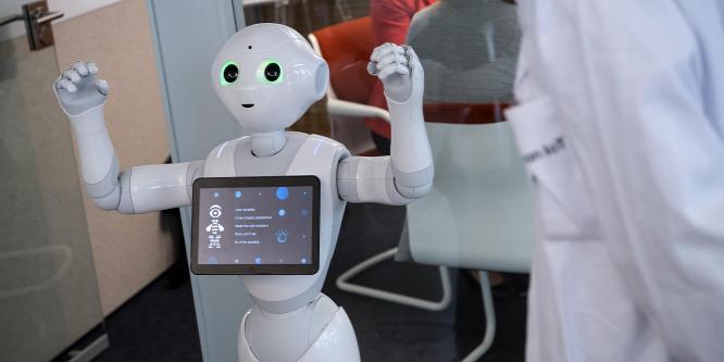 A robotoknak szívesebben beszélünk a pénzünkről