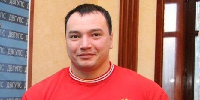 Feladta magát az orosz erőemelő bajnok gyilkosa