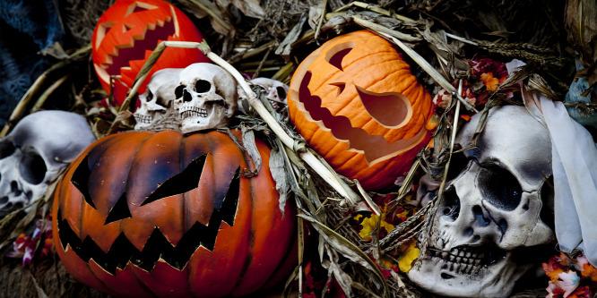 Egyszerű és gyors Halloween lakásdekorációk: fotók