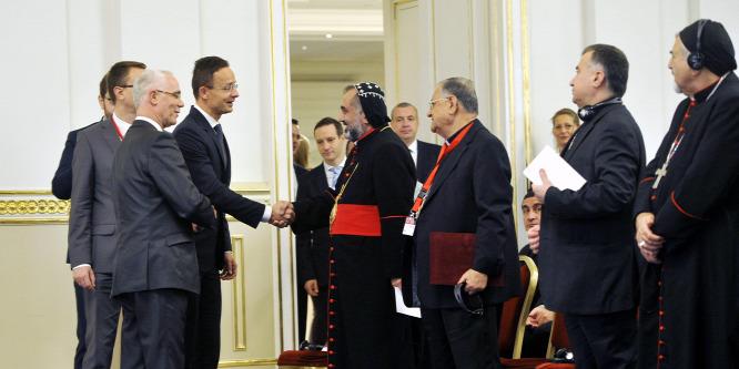 Szijjártó: Nemzetközi összefogás kell a keresztényüldözés ellen