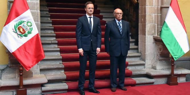 Szijjártó Péter újranyitotta a limai magyar nagykövetséget