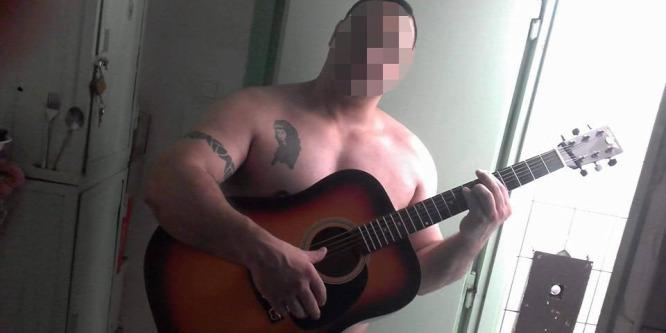 Félmeztelenül fotózta magát az egyik rab a börtönben - hamar lebukott