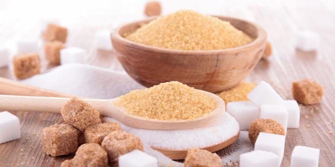 Tényleg jobb a barna cukor a fehér helyett?