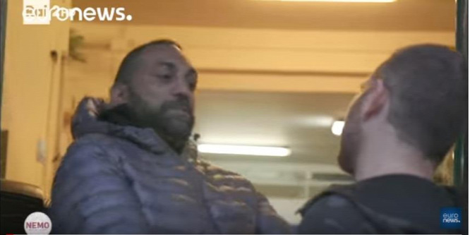 Letartóztatták a riportert lefejelő maffiózót