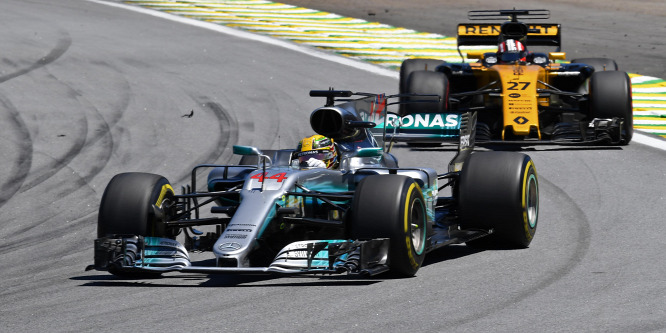 Fordulat: Már Ecclestone is megtartaná az F1-es motorokat