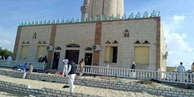 Több robbantás Egyiptomban: legalább 235 halott
