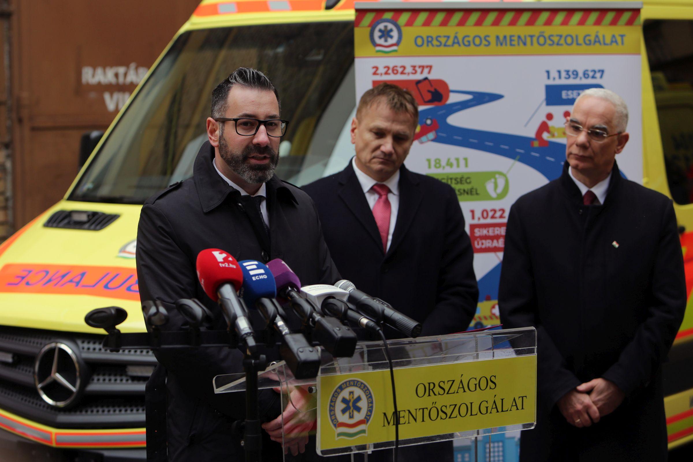117 új mentőautót kap az Országos Mentőszolgálat
