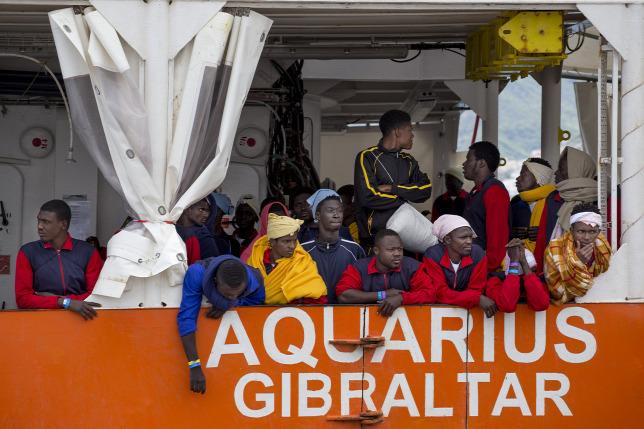 Nem engedik be Marseille-be Soros migránscsempész hajóját