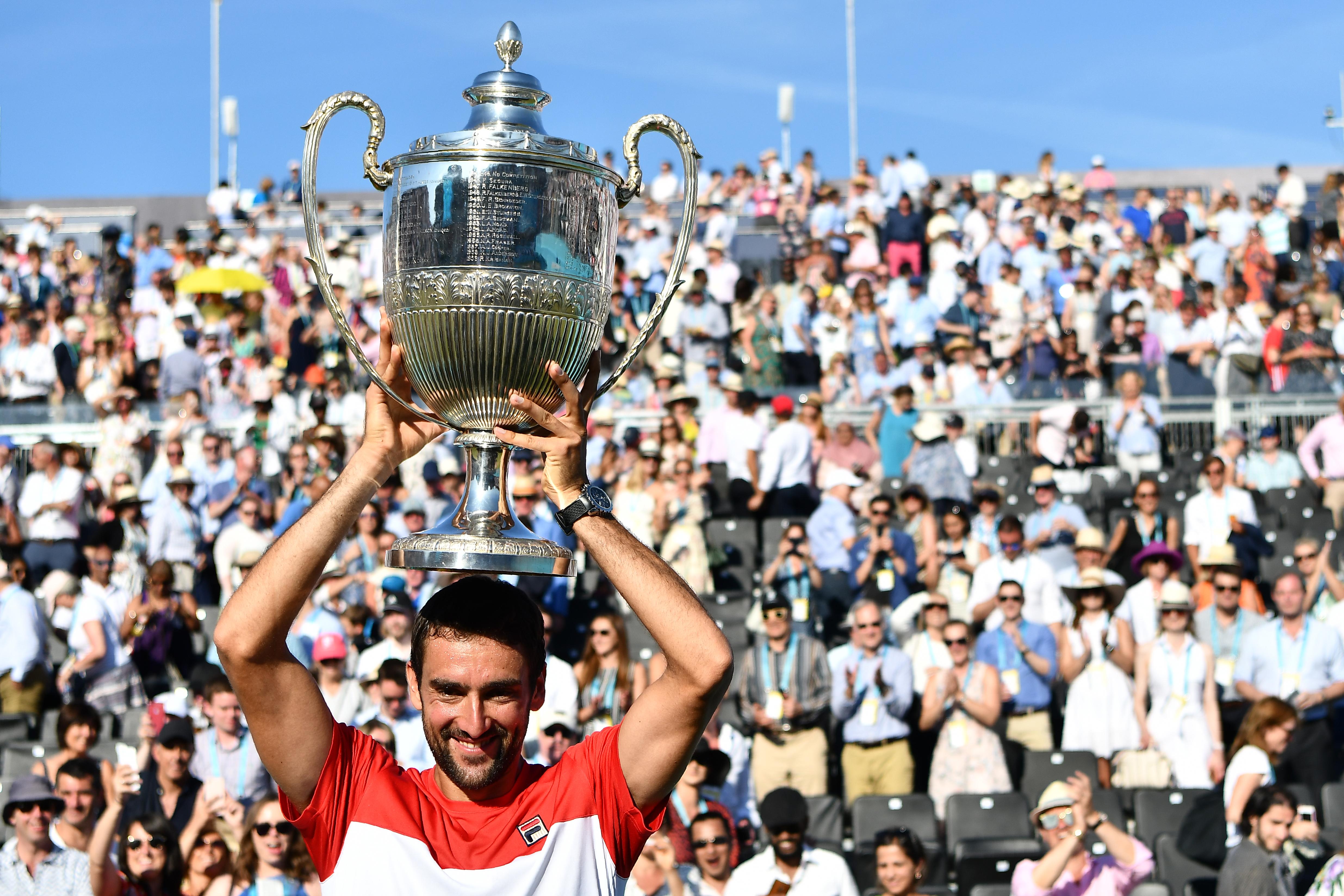 Friss hírek: A horvát teniszező három szettben nyert a Queen's Club-i tenisztorna döntőjében a korábbi világelső ellen.