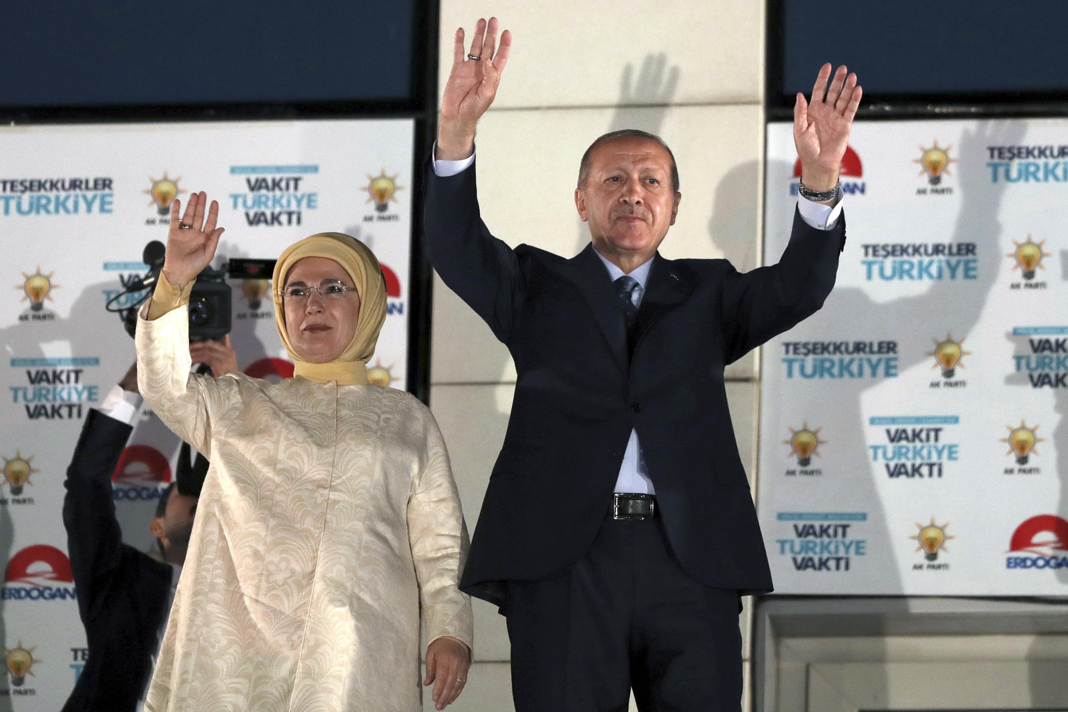 Friss hírek: A magyar kormányfő levelében azt írta, reméli, mihamarabb Magyarországra látogat az újraválasztott török államfő.