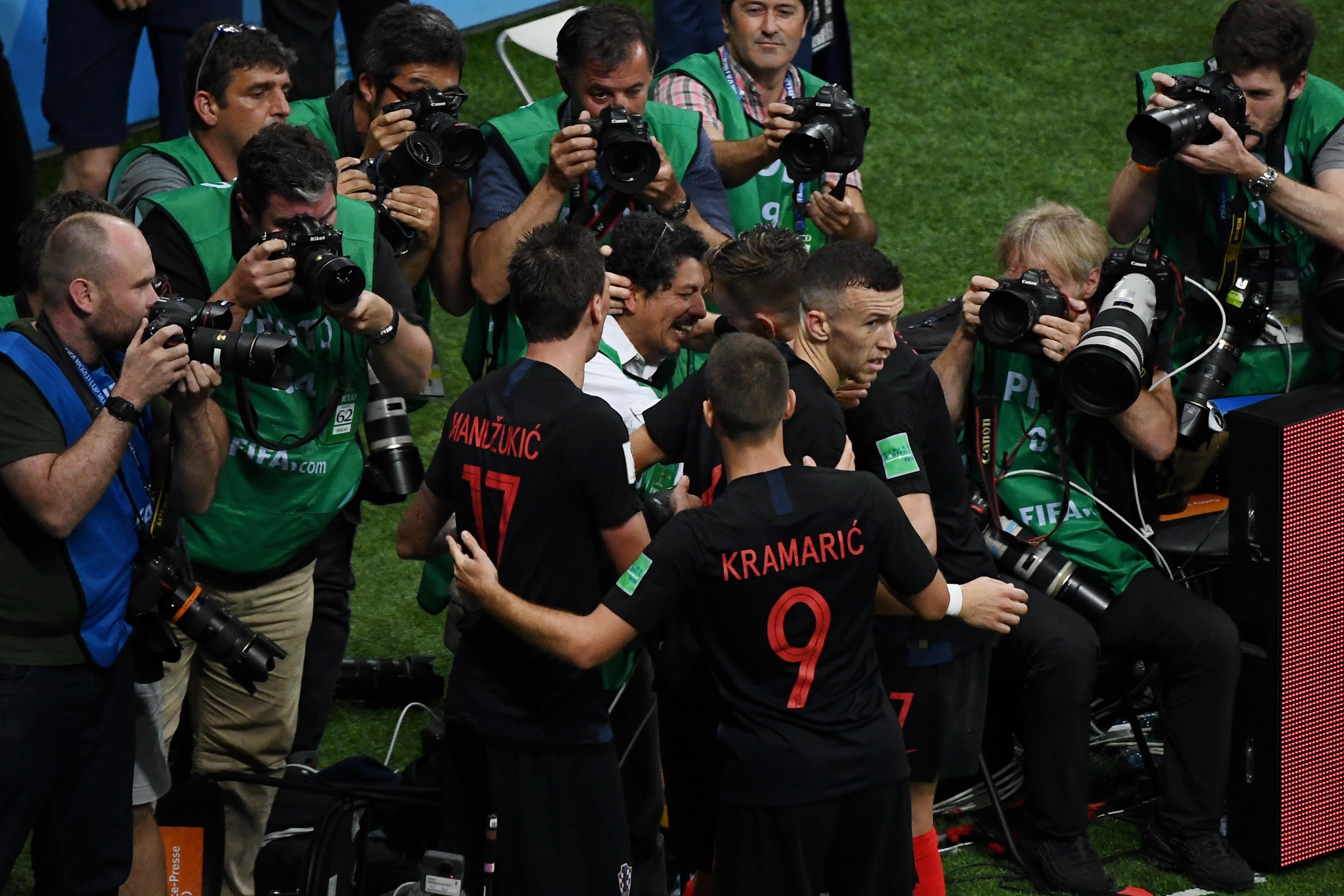 Elképesztő horvát győzelem, Anglia gyászban