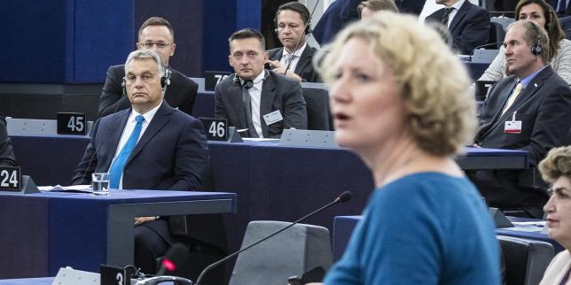 Tájékoztató kampányt indít a Soros-Sargentini-jelentés miatt a kormány