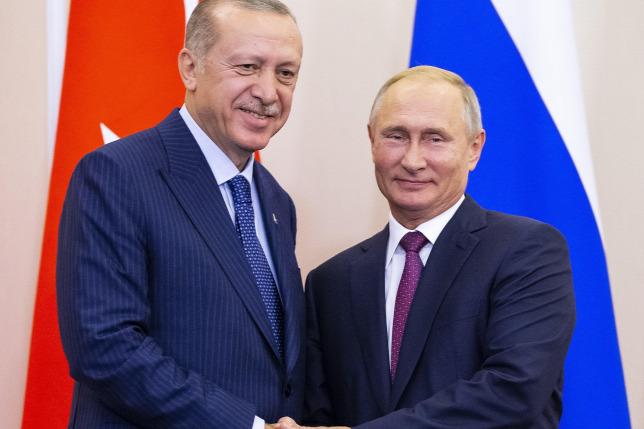 Demilitarizált övezet létrehozásáról állapodott meg Putyin és Erdogan